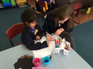 kids-work-together