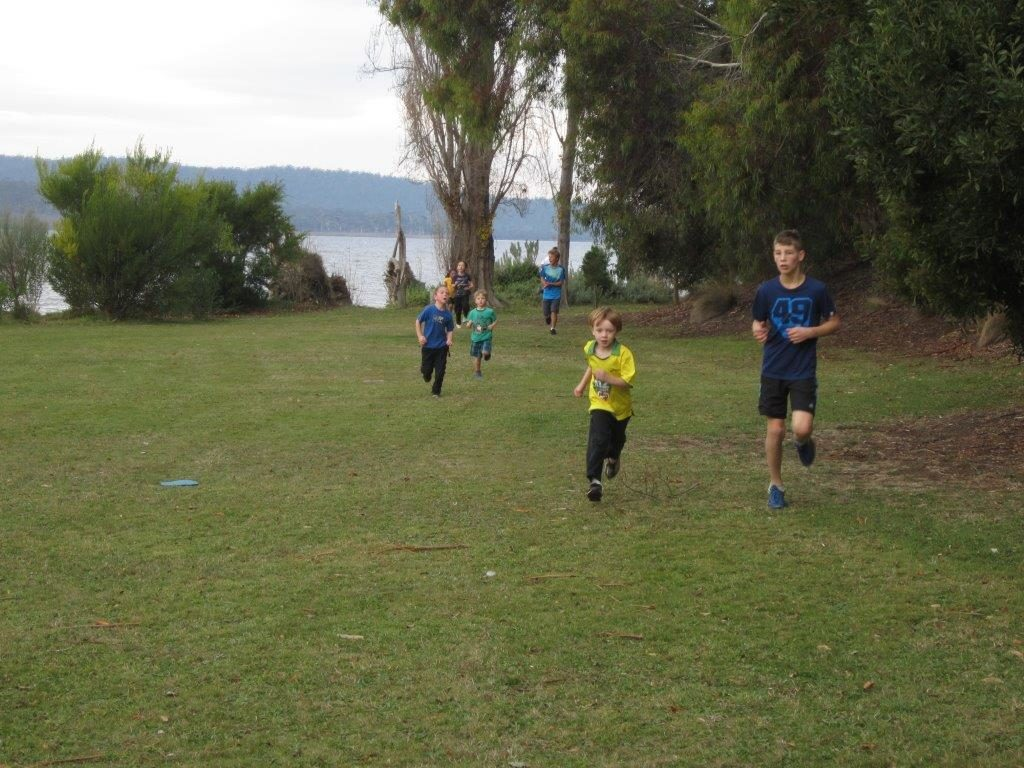 fun run kids running outside